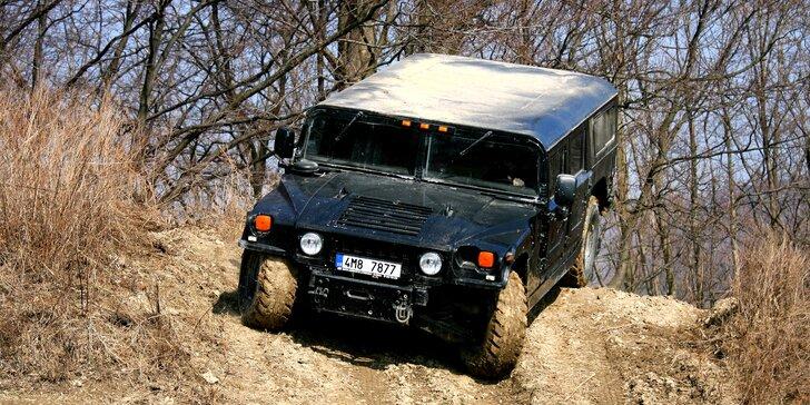 Adrenalin v terénu: jízda v obřím Hummeru H1 nebo H2