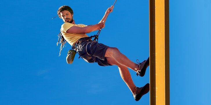 13 pater adrenalinu: slaňování 36metrové vyhlídkové věže v Harrachově