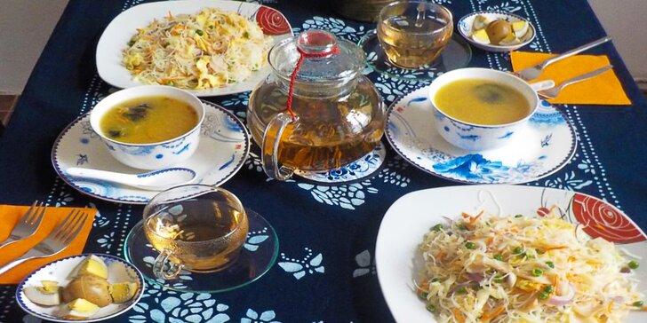 Tříchodové kantonské menu s rýžovými nudlemi a kvetoucím čajem pro dva