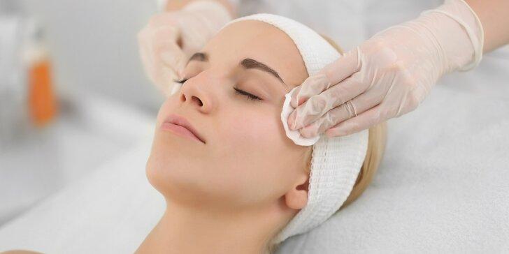 Kompletní relaxační kosmetická péče s masáží obličeje a dekoltu