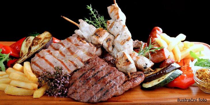 Nálož grilovaných dobrot až pro 4 jedlíky: panenka, kuře, játra i hranolky