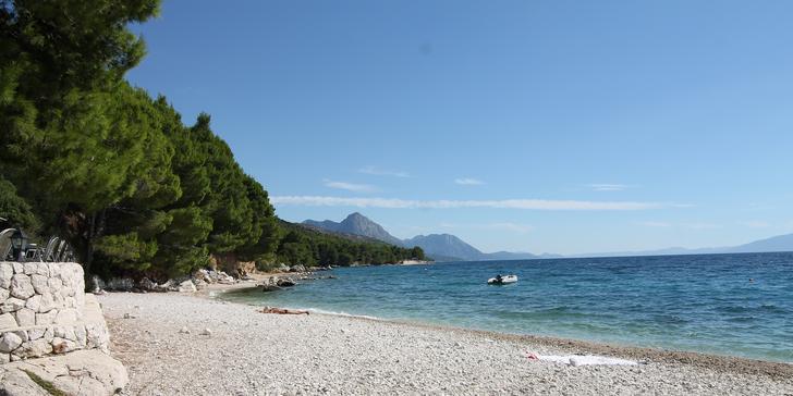 Autobusem do kempu přímo u moře: stany s vybavením či karavany LUX