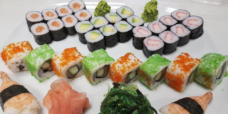 Pochoutky ze země vycházejícího slunce: 34 čerstvých kousků sushi pro 2