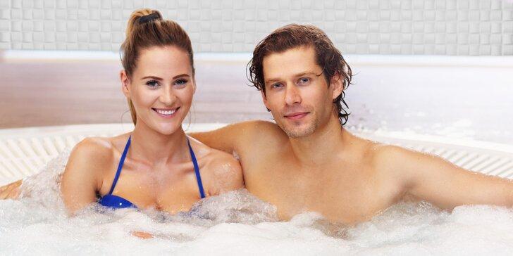 2 hodiny v soukromé wellness zóně pro pár: vířivka, finská sauna i občerstvení