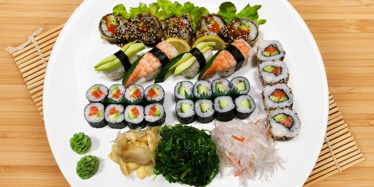 39 kousků sushi s krevetami, lososem, úhořem i avokádem