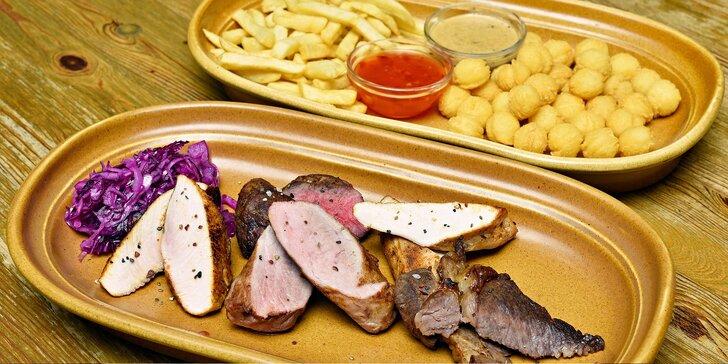 500g mix z grilu: 5 druhů masa, omáčka a příloha dle výběru pro 2