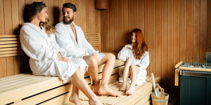 2 hodiny privátní relaxace až pro 4 osoby: sauna, pára i masážní vana