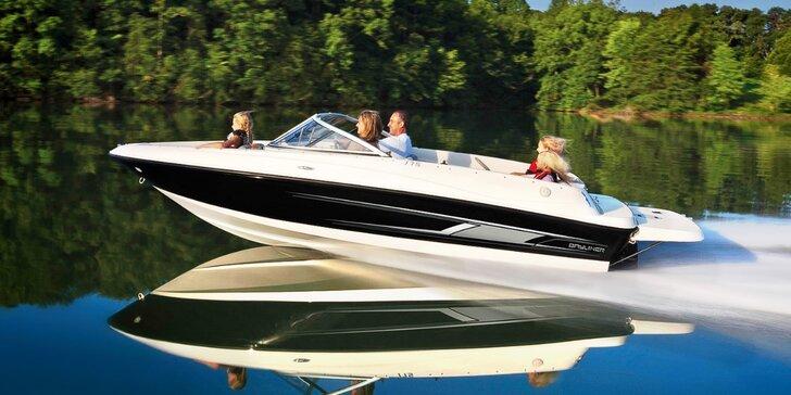 Plavba v luxusním člunu Bayliner 175 GT3 s kapitánem i bez až pro 7 os.