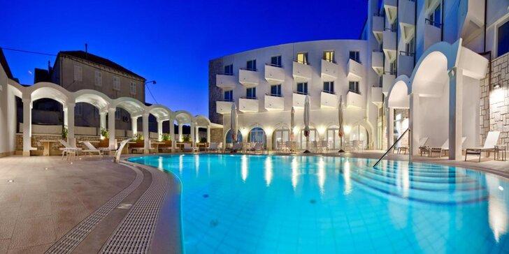 Dovolená na Korčule: 4* hotel s bazénem, soukromou pláží a polopenzí