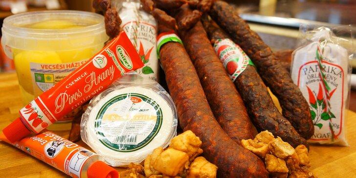 Balíčky maďarských pochoutek: klobásy, sýry, čalamáda i čokoláda