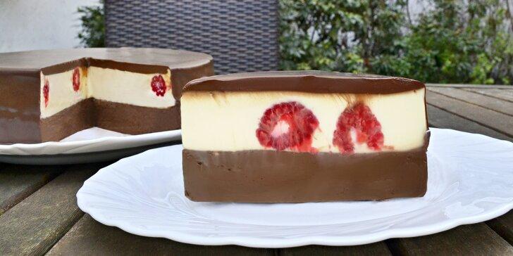 Dort Maruška Od bobu: 60% pečená čokoláda a lahodná bílá náplň s malinami