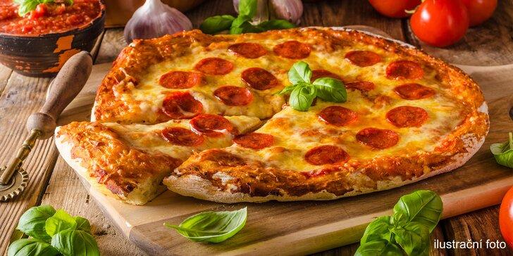 Křupavá pizza či dvě: k vyzvednutí i s rozvozem do blízkého okolí