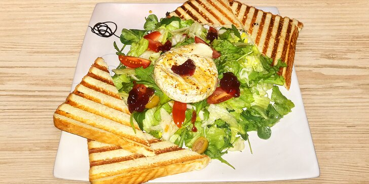 Zdravé obědové menu: salát dle výběru, káva nebo dom. limonáda a zákusek