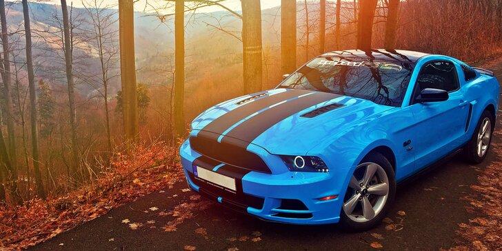 25minutová adrenalinová jízda na Automotodromu Brno v Mustangu GT
