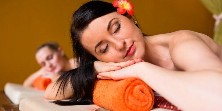 Nechte se hýčkat v salonu thajské masáže: Hodinová olejová masáž pro 2