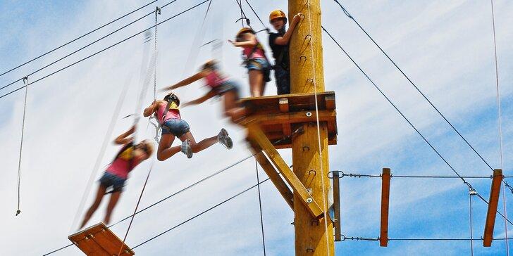 Opičí dobrodružství: 3 hodiny s celou rodinou v lanovém centru
