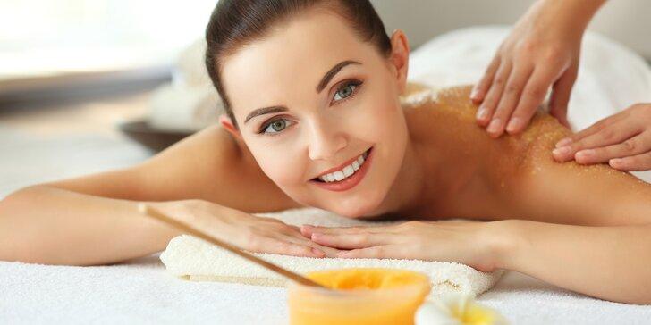 Sladká hodinka jen pro vás: 60minutová medová detoxikační masáž
