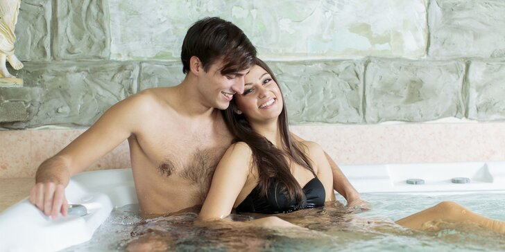Uvolněte se: 150 minut privátního wellness až pro 5 osob – sauna a whirlpool