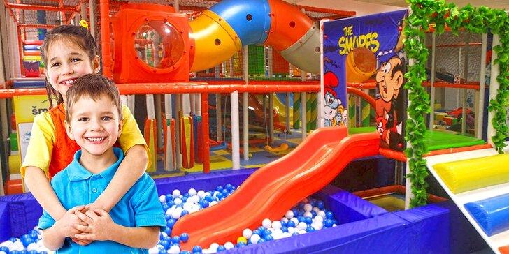 Celý den v oblíbeném dětském centru Šmoulíkov, kde zábava nikdy nekončí