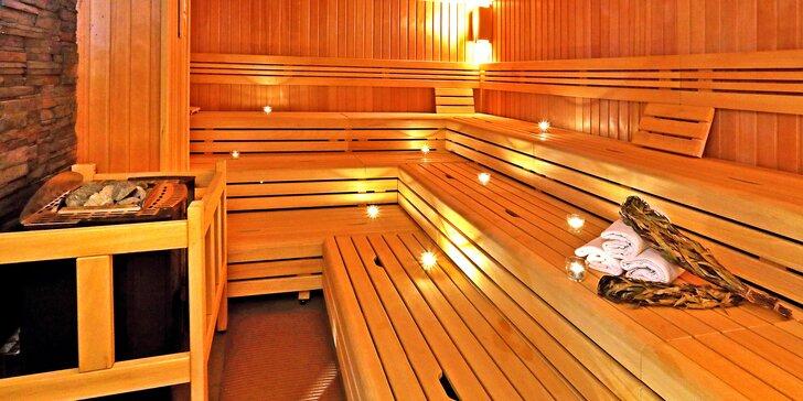 Časově neomezený vstup do saunového světa Saunia, peeling a limonáda