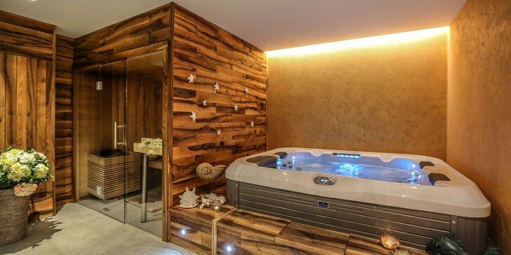 1 nebo 2 hodiny v privátním wellness až pro čtyři osoby: vířivka a sauna
