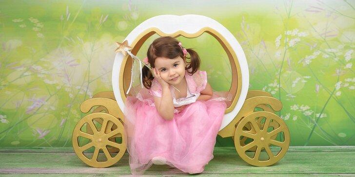 Ateliérové fotografování miminek, dětí i celé rodiny