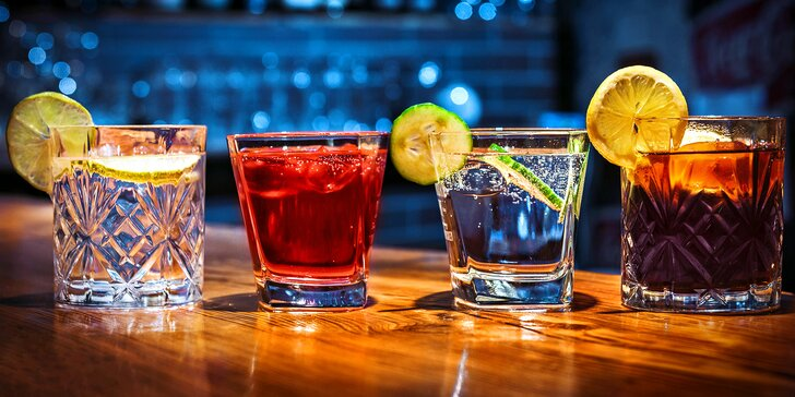 Vodka s malinovkou, gin s tonicem a další míchané drinky dle výběru