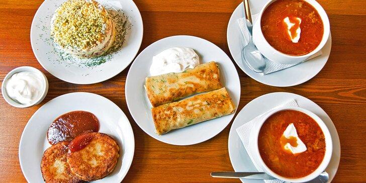 Ukrajinské menu pro 2: boršč, sladké syrniky, masové bliny a tuňákový salát