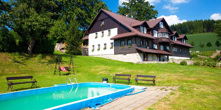 Aktivní rodinný pobyt na chatě v Krkonoších s polopenzí, bazénem i wellness