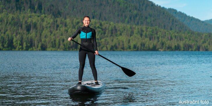 Projeďte se po Berounce: 120 minut na paddleboardu, možno i s instruktorem