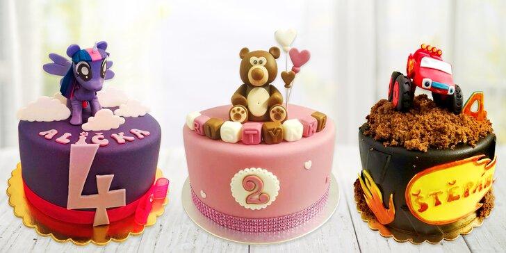 Dětský dort na každou oslavu: 8–12 porcí, světlý či tmavý korpus, postavička