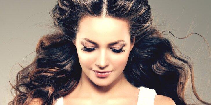 Precizní péče pro vaše vlasy: hloubková regenerace, střih i barvení