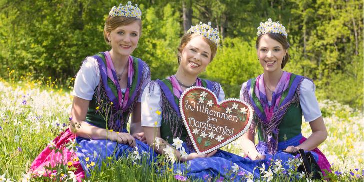Rakouský největší květinový festival: narcisové korzo a Hallstatt na 1 noc
