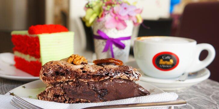 Káva a dezert pro 1 nebo 2 v dětské herně s kavárnou Topolino