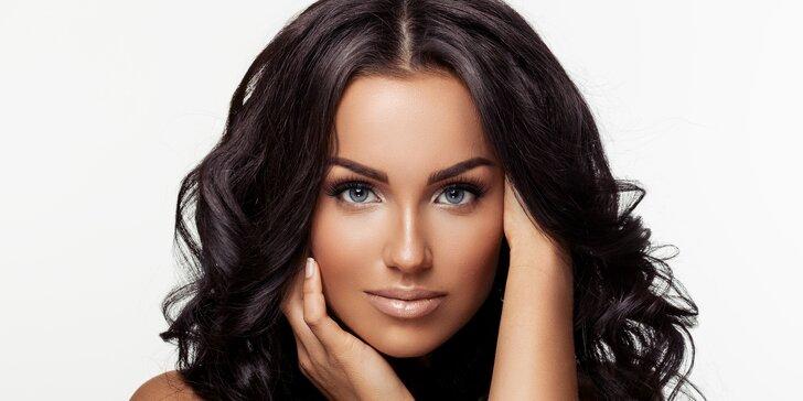 Permanentní make-up rtů nebo obočí metodou vláskování