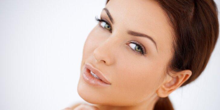 Kosmetické ošetření proti vráskám a akné Face-up pomocí plazmových toků