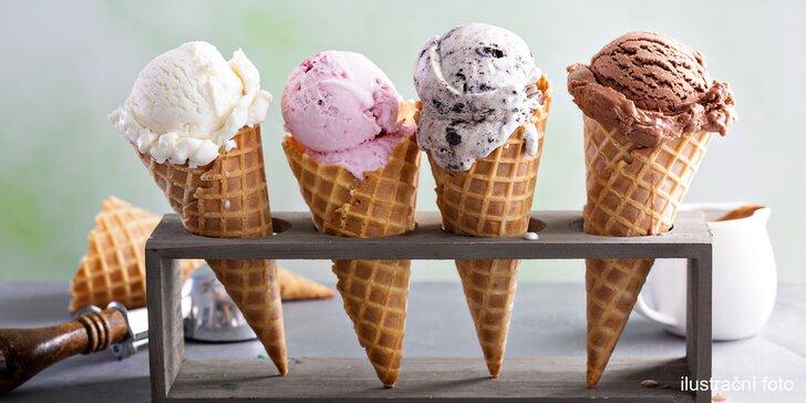 Kopečková zmrzlina i poháry v kavárně u náplavky vč. variant s nápojem