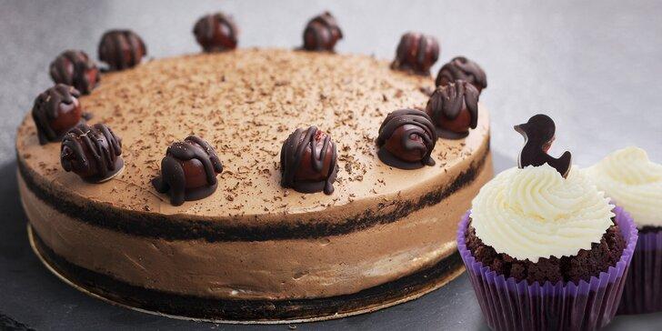 6 i 12 bezlepkových cupcaků nebo bezlepkový dort: čokoládový či mrkvový