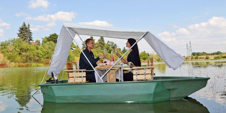 Pikniková loď pro 2 osoby: hodina plavby + lahev sektu a nachos