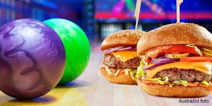 Zábava, co má koule: bowling a dva dva nebo čtyři hamburgery k tomu