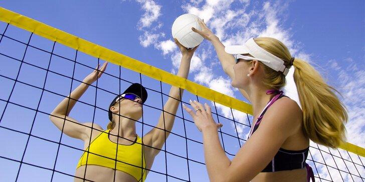Létu zdar: Hodinový pronájem kurtu na beach nebo klasický volejbal