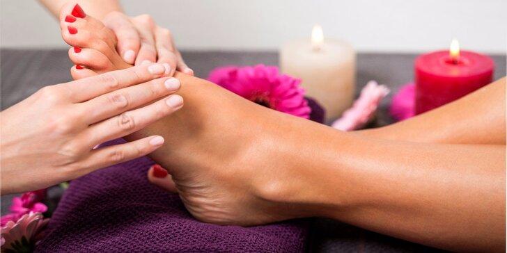 50 minut terapie pro vaše nohy: reflexní masáž chodidel a vodní lázeň