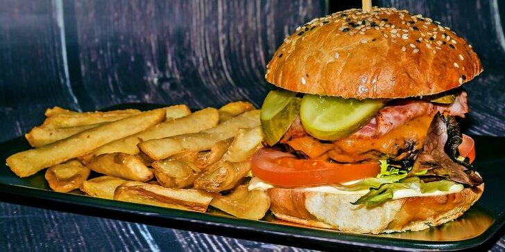 2 špičkové burgery s kuřecím nebo hovězím masem od vyhlášeného řezníka