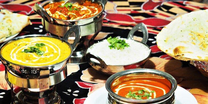 Indické menu výběrem z mnoha jídel: jehněčí, kuřecí i vegetariánská varianta