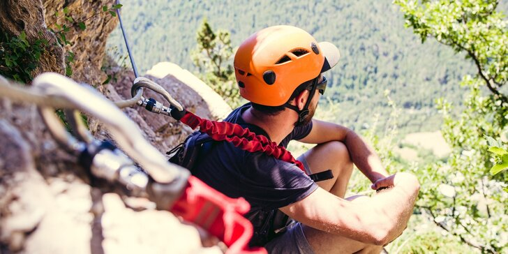 Zážitkový polodenní kurz Via ferrata lezení v Českém ráji