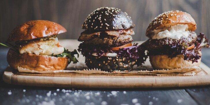 3× miniburger u Šárky: kuřecí, houbový a black burger s hranolky