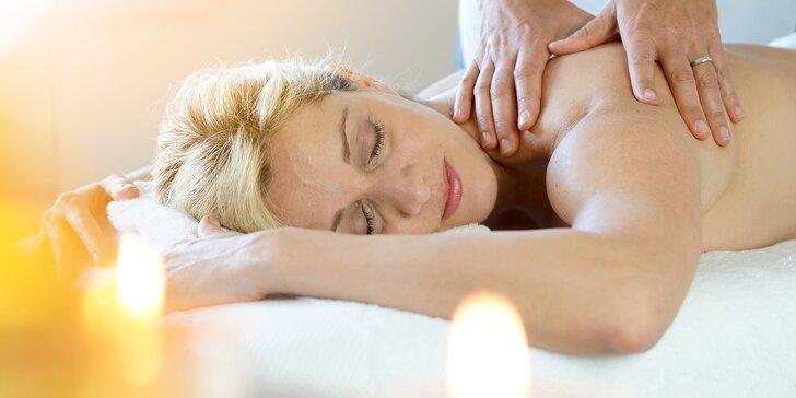 Čas odpočívat: relaxační aroma masáž zad a šíje s olejem dle výběru