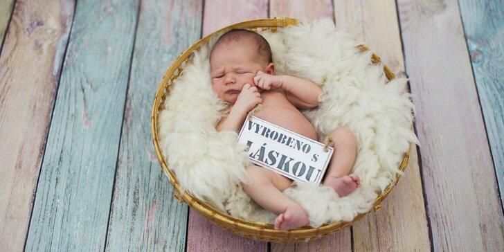 Profesionální novorozenecké (newborn) a těhotenské focení v ateliéru