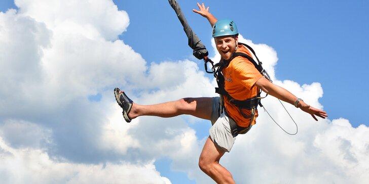 Vertical park: obří houpačka, bungee trampolína a horolezecká stěna