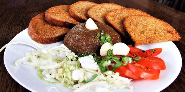 100g, 200g nebo 300g tatarák s přiměřeným množstvím topinek a zeleninou